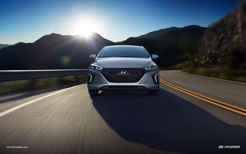 Hyundai Ioniq Hybrid wallpaper titled 2017 Hyundai Ioniq with Hybrid Limited in Symphony Air Silver with Led Daytime Running Lights