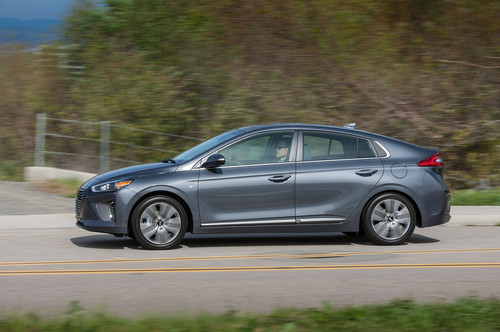 Hyundai Ioniq Hybrid wallpaper called 2017 Hyundai Ioniq Hybrid side profile in motion