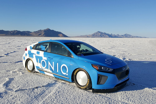 Hyundai Ioniq Hybrid wallpaper called Hyundai Ioniq Hybrid prototype speed record front three quarter