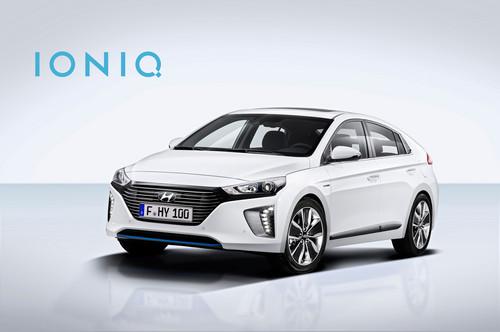 Hyundai Ioniq Hybrid wallpaper titled Hyundai Ioniq Hybrid front three quarter