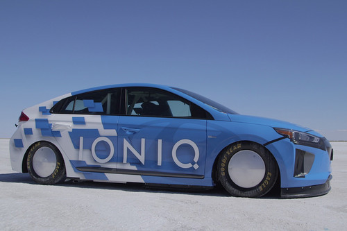 Hyundai Ioniq Hybrid wallpaper titled Hyundai Ioniq Hybrid prototype speed record side profile