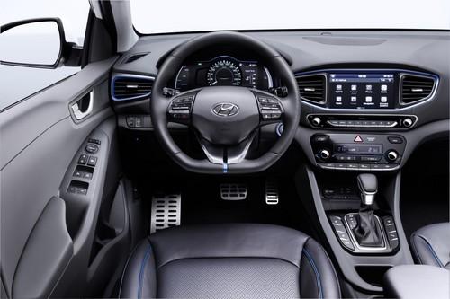 Hyundai Ioniq Plug-In Hybrid PHEV wallpaper titled Hyundai IONIQ Interior