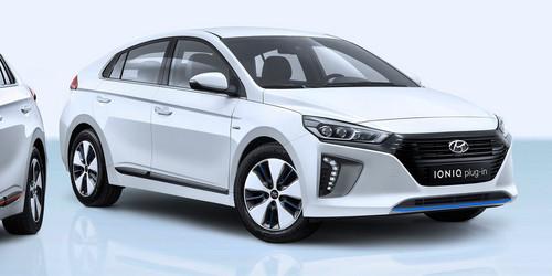 Hyundai Ioniq Plug-In Hybrid PHEV wallpaper titled Hyundai Ioniq Plugin front three quarter