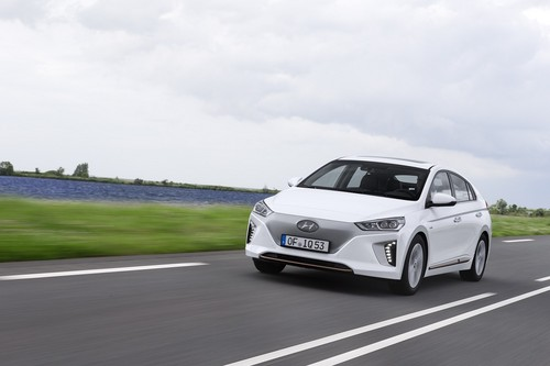 Ioniq EV wallpaper titled Hyundai IONIQ Electric on the road