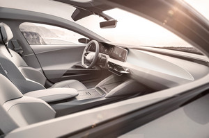 Lucid Motors Air front interior Lucid Air luxury sport autonomous electric sedan