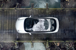 Lucid Motors Air top view overhead bird's eye view