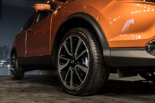Nissan Rogue Sport wallpaper entitled 2017 nissan rogue sport rear wheel