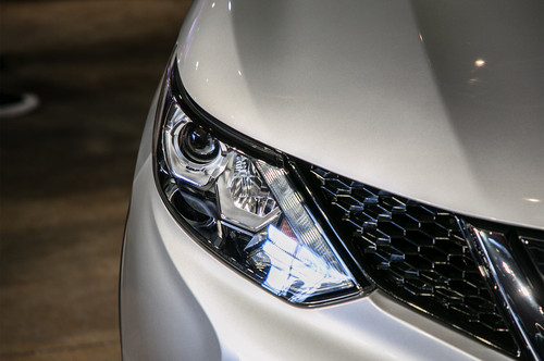 Nissan Rogue Sport wallpaper titled 2017 Nissan Rogue Sport headlamp