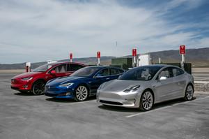 2018 Tesla Model 3 60D AWD electric sport luxury sedan