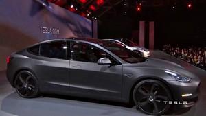 gray matte black 2018 Tesla Model 3 70D AWD electric sport sedan