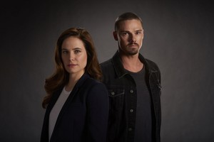 'Mary Kills People' Cast Promotional Photoshoot