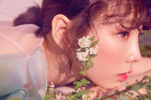 [Teaser Photo] Taeyeon - Make Me Love u @ 'My Voice' Deluxe Edition
