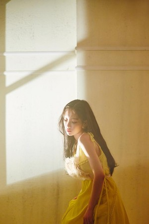 [Teaser Photo] Taeyeon - Make Me 爱情 你 @ 'My Voice' Deluxe Edition
