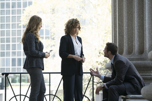 2x05 - Sweet Caroline - Tess, Harlee and Nava