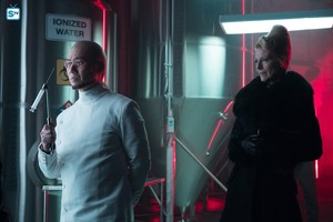 3x18 - Light The Wick - Hugo Strange and Kathryn
