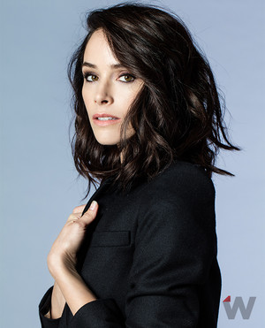 Abigail Spencer// The bọc