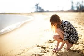 Alone at the bờ biển, bãi biển :(