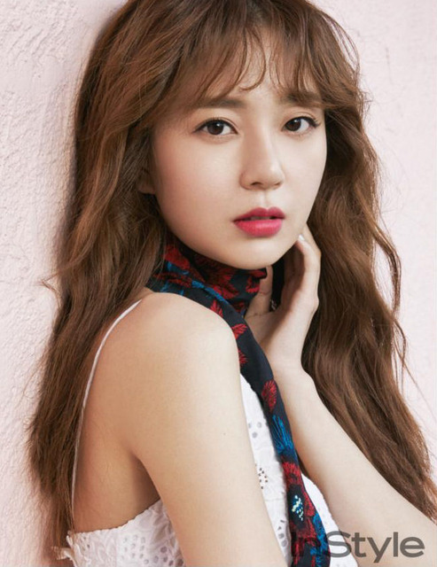 Actrices Et Acteurs Coreens Images Baek Jin Hee For May Instyle Fond