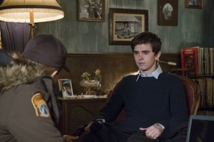"Bates Motel ""The Body"" (5x08) promotional picture"
