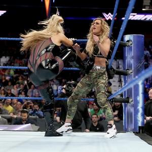 Becky Lynch vs. Carmella - डब्ल्यू डब्ल्यू ई Smackdown March 21, 2017