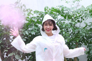 Behind the mga litrato of Jeong EunJi for 'Space' Album dyaket