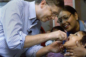 Bill Gates With Indian 10
