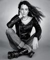 Black and White - riley-keough photo