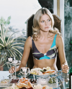 Britt Ekland / Mary Goodnight