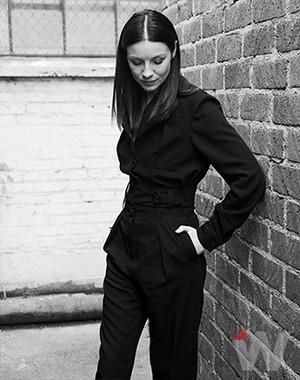 Caitriona Balfe in The membungkus, bungkus Photoshoot
