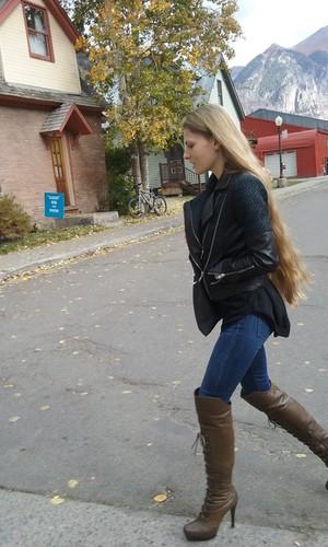 Candice De Visser strada, via style