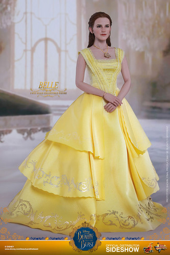 Beauty and the Beast (2017) fond d'écran titled Disney Belle Sixth Scale Collectible Figure par Hot Toys