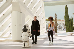 Doctor Who - Episode 10.02 - Smile - Promo Pics