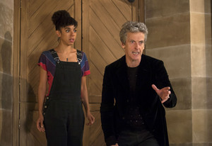 Doctor Who - Episode 10.04 - Knock Knock - Promo Pics