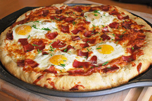 Egg pizza, bánh pizza
