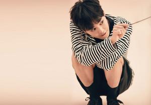 G-Dragon X 8Seconds