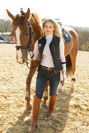 Hyoyeon - Horseback Riding