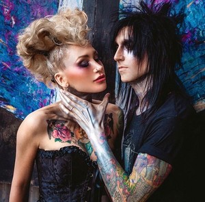 Jake Pitts and 이나 Logvin