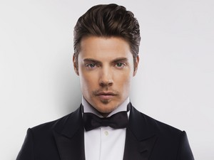 Josh Henderson | Promotional photo