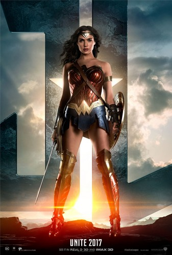 Justice League Movie wallpaper called Justice League (2017) Poster - Gal Gadot as Wonder Woman