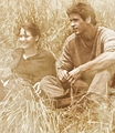 Katniss and Gale - the-hunger-games fan art