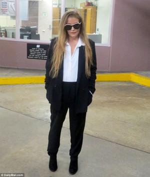 Lisa leaving court