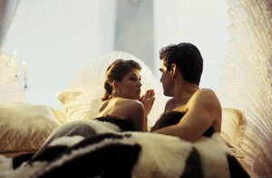 Miranda and Bond (Die Another dag bed scene)
