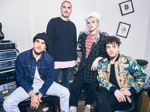 Paramore fond d'écran titled Paramore 2017