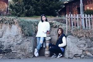 プレビュー 写真 of Twice TV5 in Switzerland