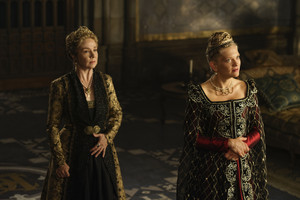 "Reign ""Hanging Swords"" (4x07) promotional picture"