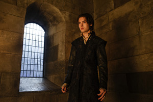 """Reign """"Uncharted Waters"""" (4x08) promotional picture"""