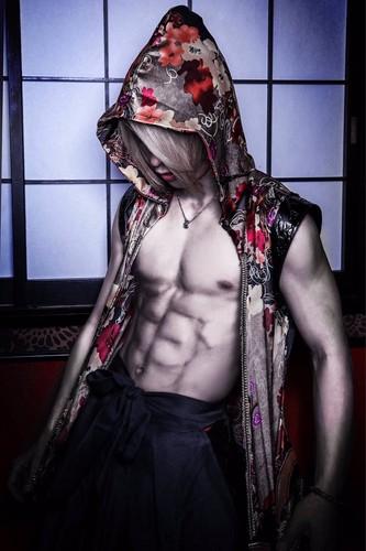 Shinotsuku Ame achtergrond titled Ryu