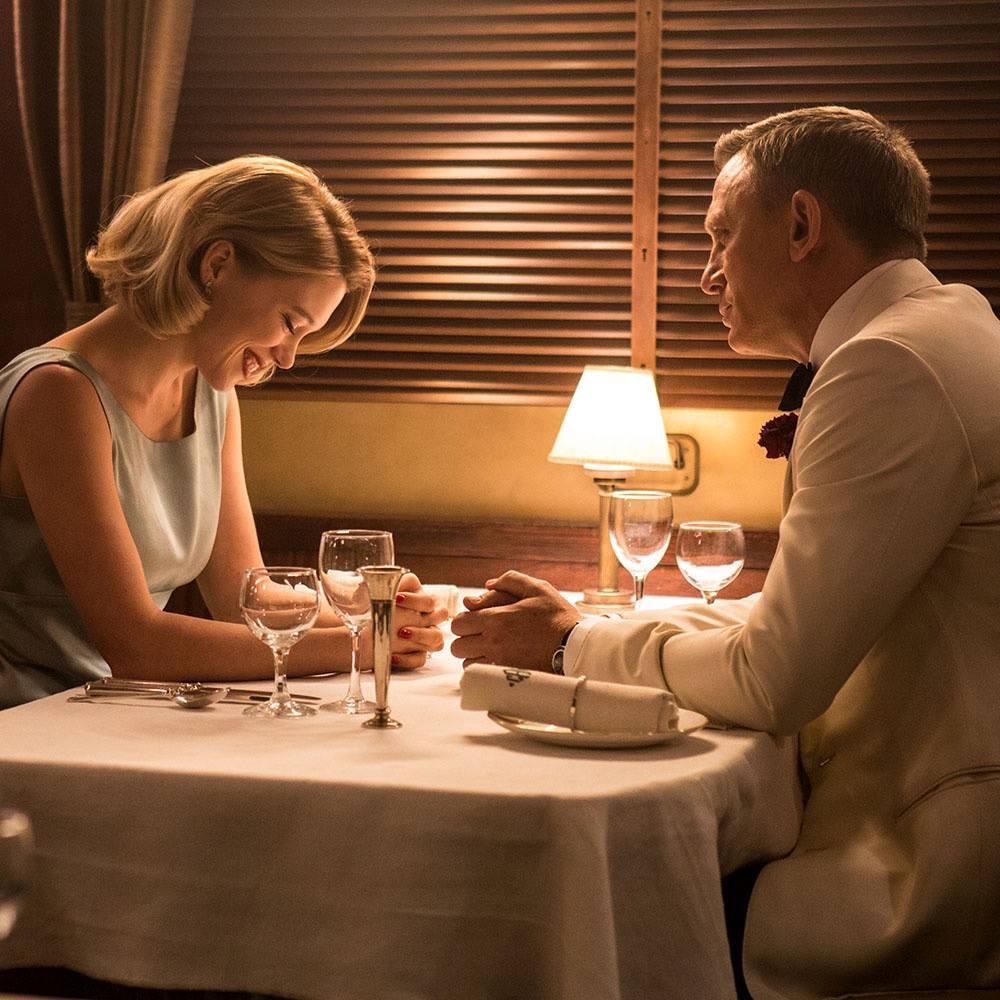 Spectre - Madeleine and Bond Dinner scene.