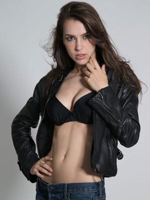 Stefanie Joosten