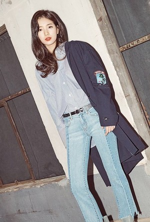 Suzy for GUESS 2017 S/S Collection